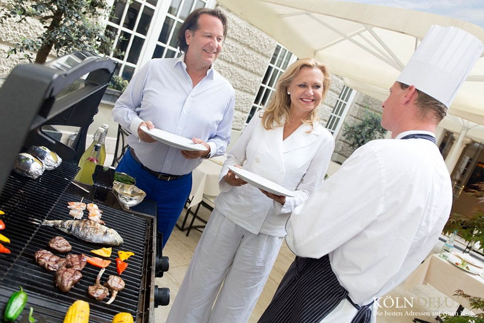 EXCELSIOR   Sunday   Barbecue
