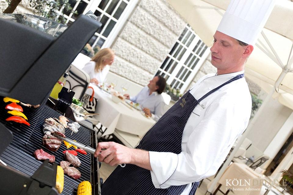 Sunday-BBQ im Excelsior Hotel Ernst
