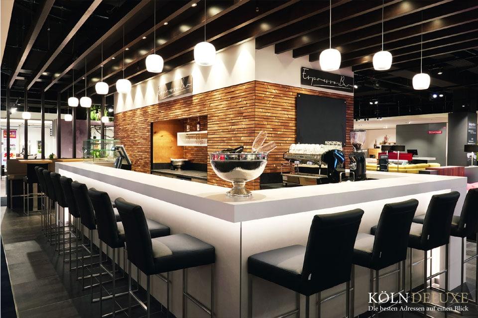 SEGMÜLLER Espressobar im 1. Obergeschoss