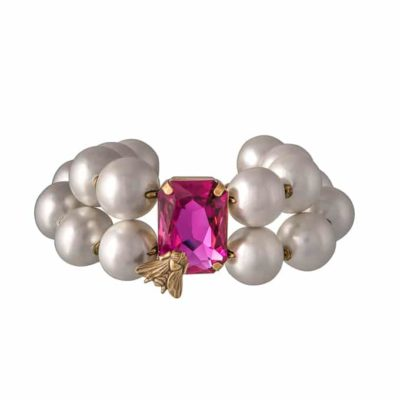 Armband-in-creme-mit-Kristall-Stein-in-pink-und-Fliege-von-Rosa-Templin