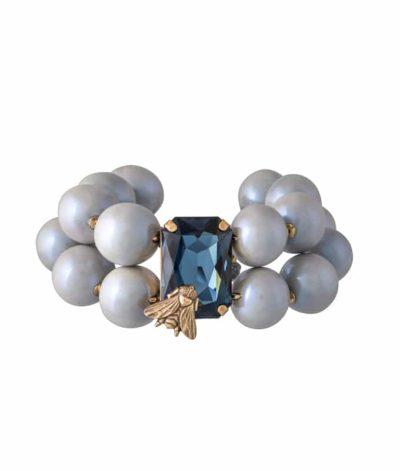 Armband-mit-Perlen-in-hellblau-und-Kristall-Stein-in-blau-und-Fliege-von-Rosa-Templin