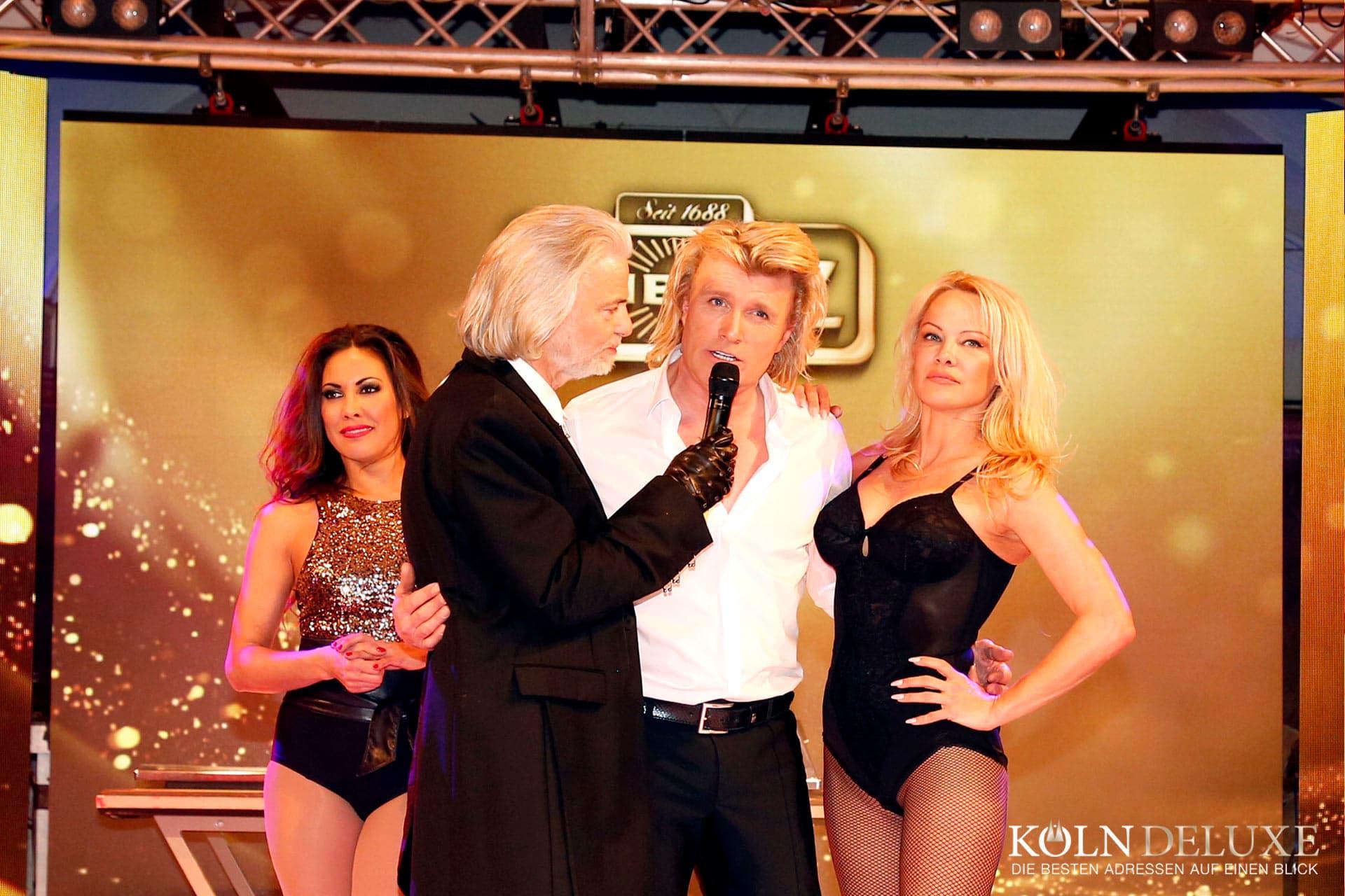 Lambertz Monday Night – Pamela Anderson zu Gast beim Printen-König in Köln