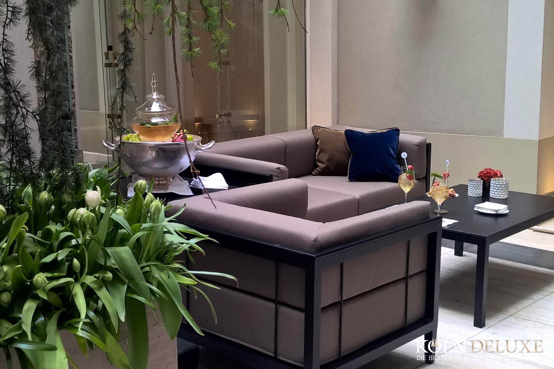 Terrasseneröffnung mit dem Weingut Korrell im Excelsior Hotel Ernst!