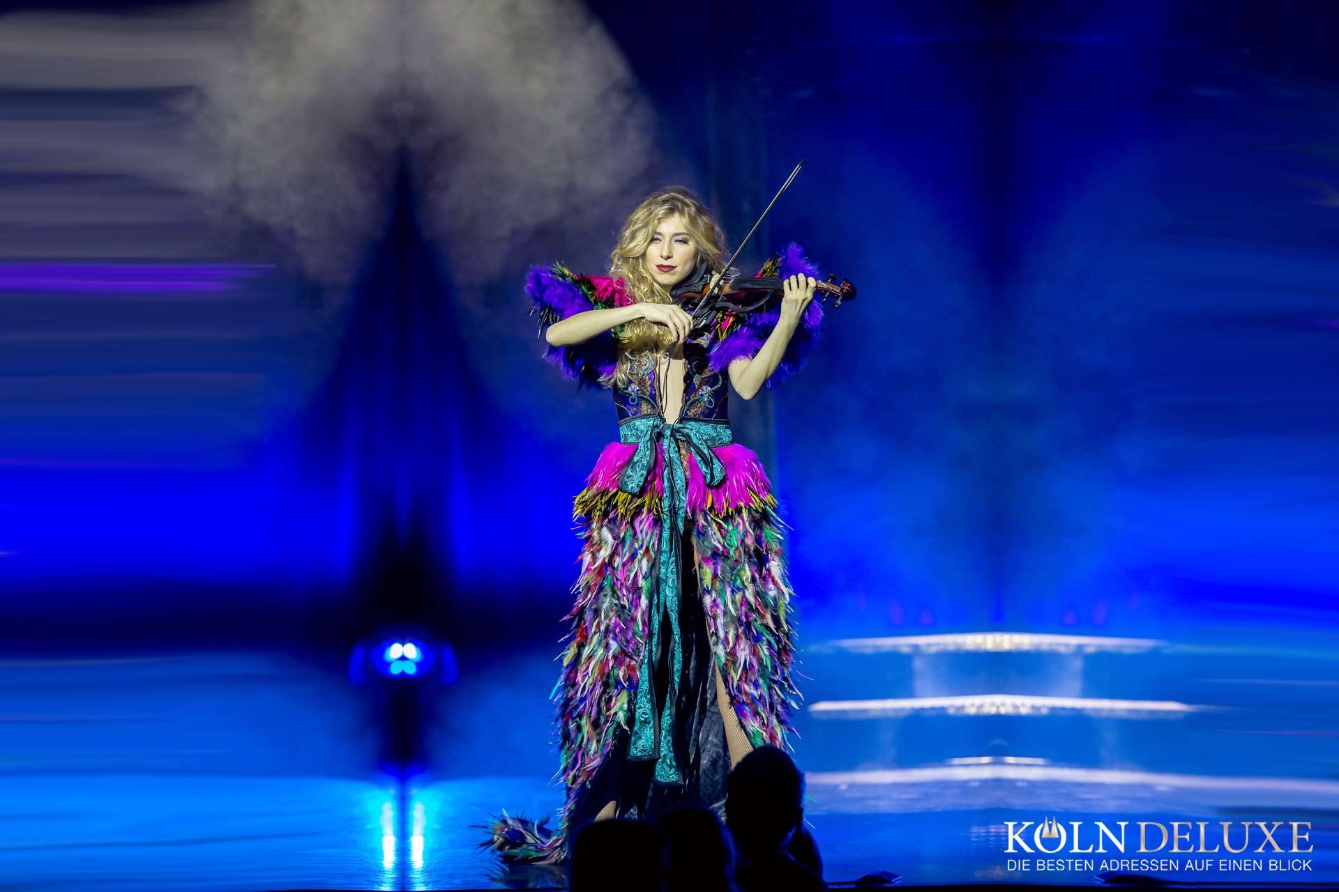 Die neue Show im GOP Bonn: FASHION – ein artistisches Prêt-à-porter