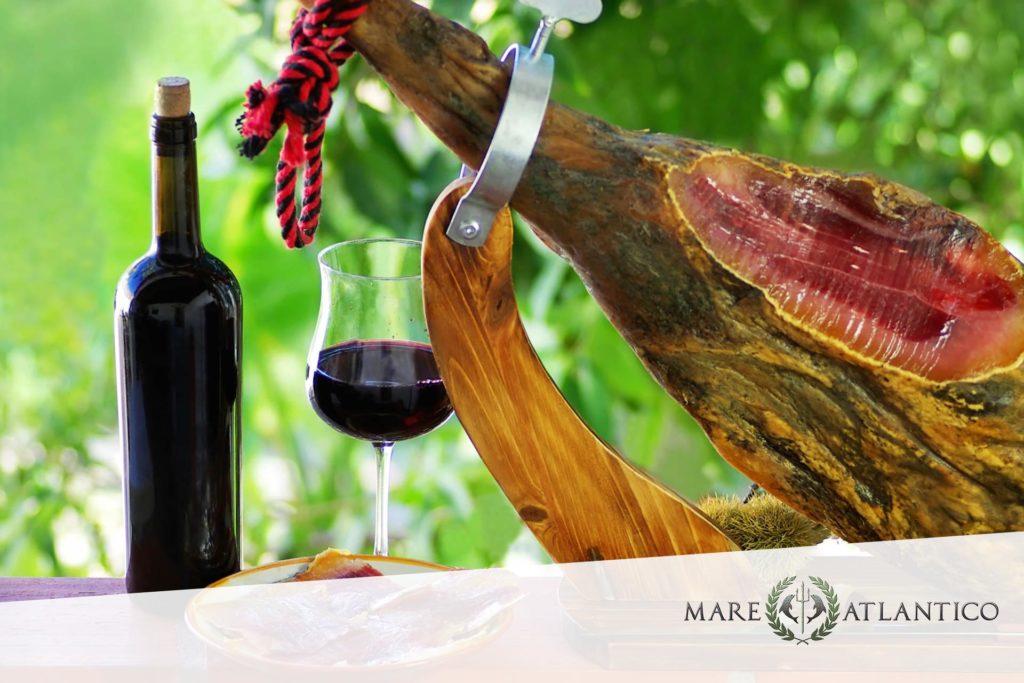 Schinken und Wein bei Mare Atlantico